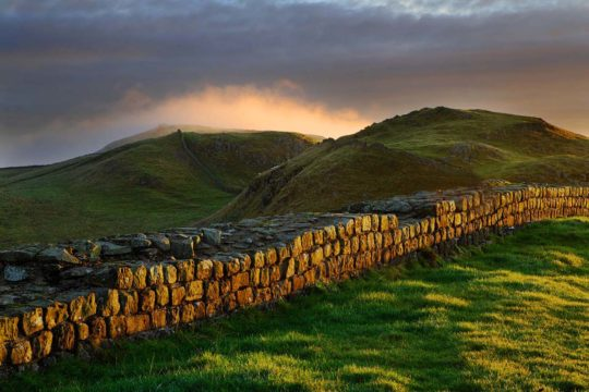 HW703A CAW GAP HADRIAN'S WALL NORTHUMBERLAND (HADRIAN'S WALL PATH) (PENNINE WAY)