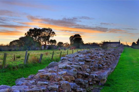 HEDDON ON THE WALL - HADRIAN'S WALL - eHW0505