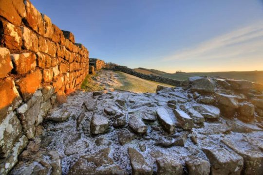 HW758 MILECASTLE 42 CAWFIELDS CRAGS HADRIAN'S WALL